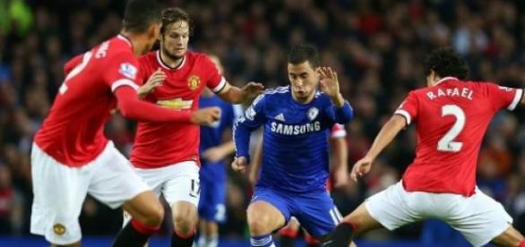 Chelsea x Manchester em ação neste sábado