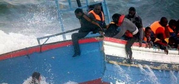 Alerta foi dado por barco com bandeira portuguesa