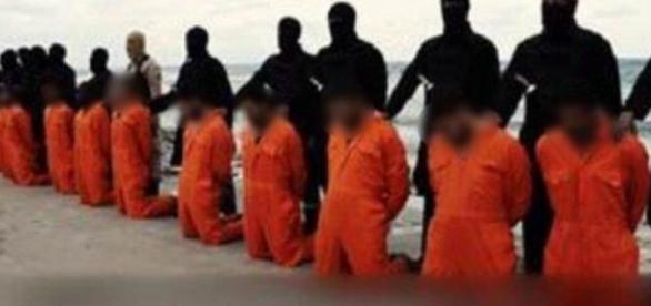 Les victimes attendent leur exécution.