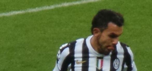 Tévez com a camisa da Juventus
