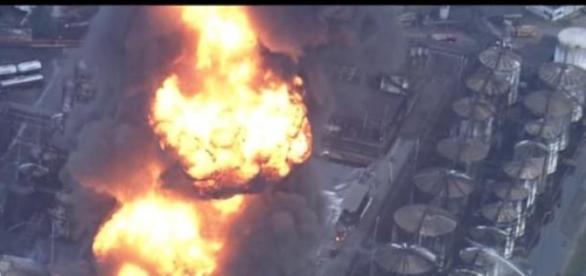 Incêndio em empresa na cidade de Santos-SP
