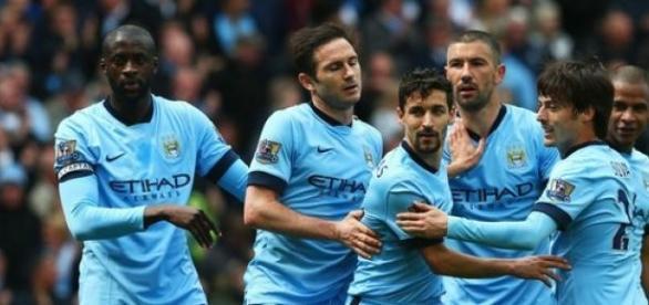 Manchester City volta a vencer na Premier League