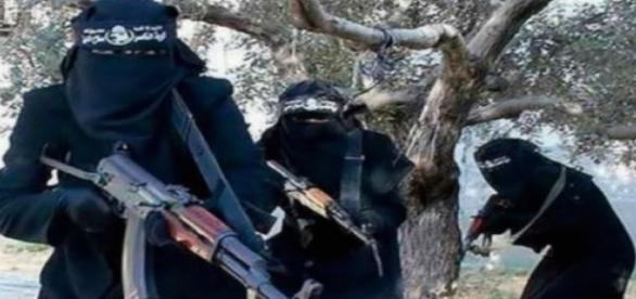 Al-Khanssaa brigade was established in early 2014.