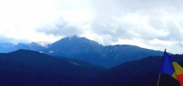 Ceahlăul sub avalanşă de nori, sfârşit de aprilie