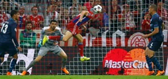 Bayern goleia o Porto por 6 a 1 e avança.