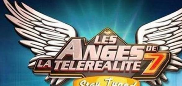 Les Anges 7, Le Mag: coucheries en série.