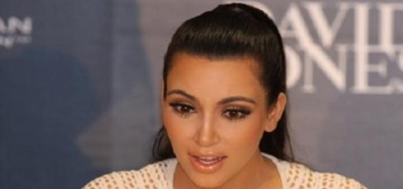 Kim Kardashian mal ganz bescheiden.