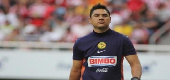 Moisés Muñoz se molesta con el equipo rival