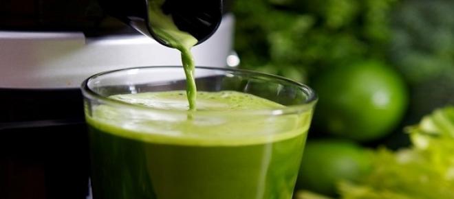Estudo revela que tomar sumos detox ao pequeno-almoço pode ser prejudicial e ter o efeito contrário ao desejado.