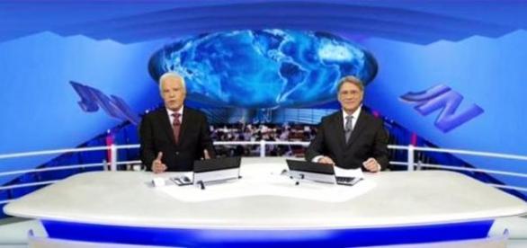 Cid Moreira e Sérgio Chapelin na bancada do JN