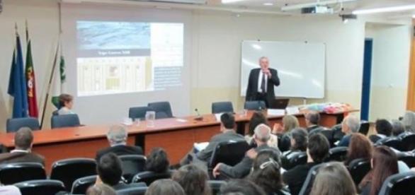 Sessão inaugural do colóquio na FCSH-UNL
