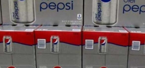 Bautura racoritoare Pepsi.