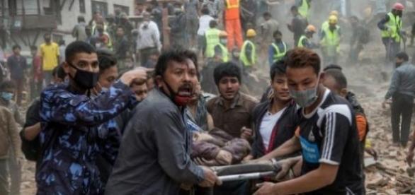 Bilanț în Nepal: circa 1.500 de morți.