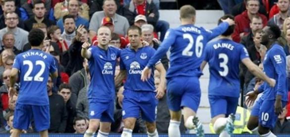 Everton não deu qualquer hipótese ao Man Utd