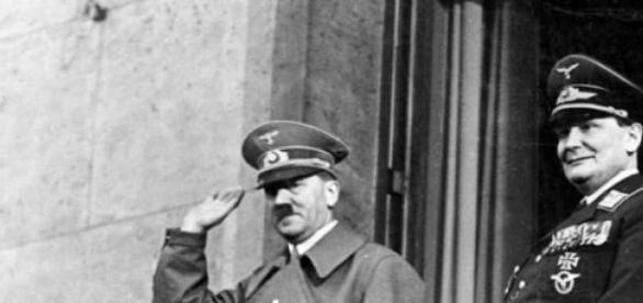 Hermann Göring y Adolf Hitler