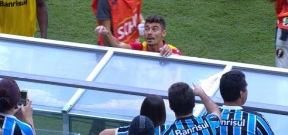 Alex estaria trocando de casa em Porto Alegre?