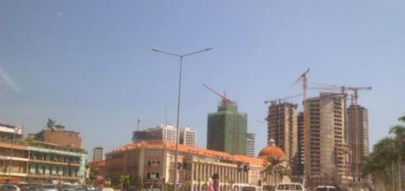 Luanda está a ser reconstruida
