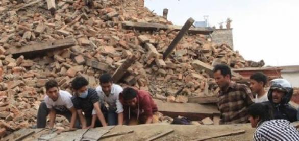 "Página no Facebook ""Macau helps Nepal"""