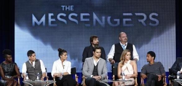 Elenco principal da série 'the Messengers'