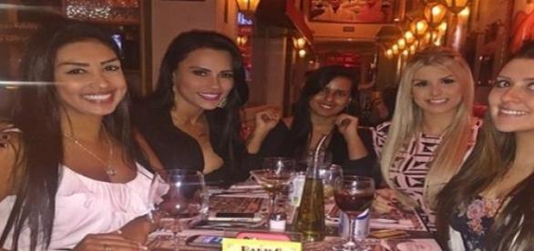 Grupo aproveita jantar em SP