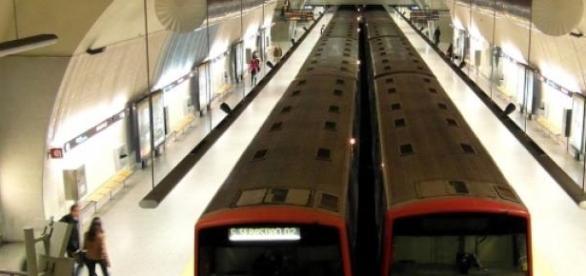 Metro de Lisboa voltou a encerrar esta manhã