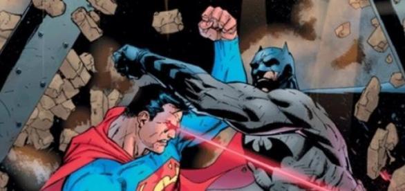 Batman enfrenta a Superman