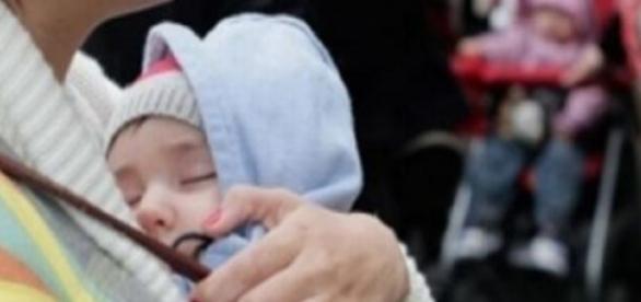 Românii din Spania, nasc copii, apoi îi vând