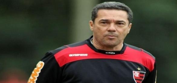 técnico do Flamengo fora do FLA-FLU