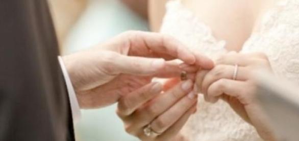 Casais optam por cerimónias longe dos holofotes