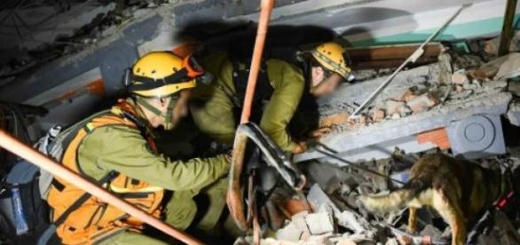 grupo de rescate en acción