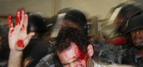 Na confusão manifestante sai ferido