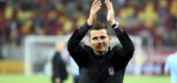 Costel Galca a reusit sa impace echipa cu fanii