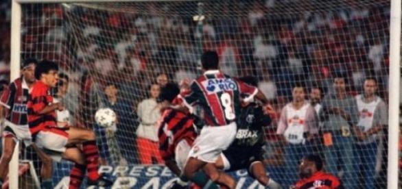 Gol de barriga decidiu o carioca de 1995