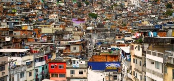 La sécurité est précaire dans les favelas de Rio.