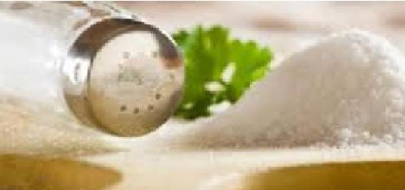 Sare din alimente ne ameninţă sănătatea