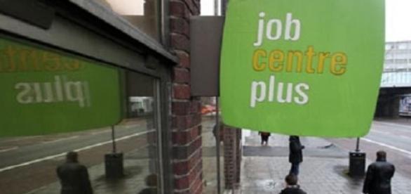 Angajatorii nu i-au oferit un job in 13 ani