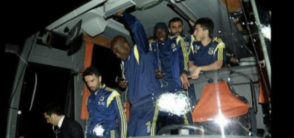 Equipa no autocarro do Fenerbahçe
