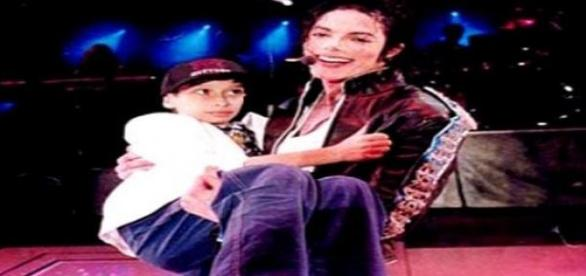 Michael Jackson ar fi cumparat tacerea victimelor