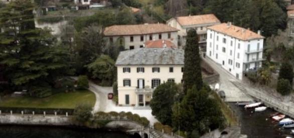 As mansões têm sido alvo de situações insólitas.
