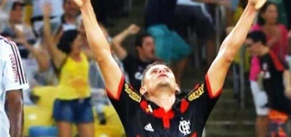 Jonas comemorando seu gol no clássico