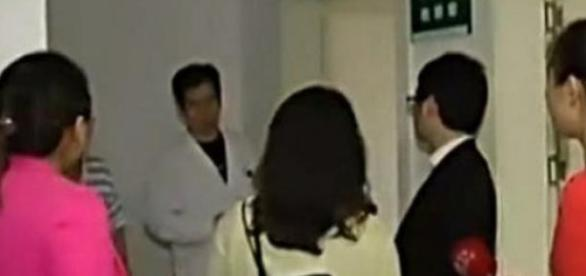 Rede de televisão chinesa grava Yuan no hospital