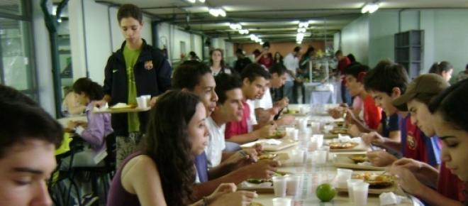 Cantinas da Universidade deitam ao lixo oito toneladas de alimentos por mês