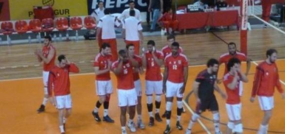 Benfica parte hoje à procura da glória