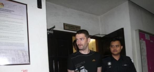 Romanii prinsi cu droguri in Malezia reanchetati