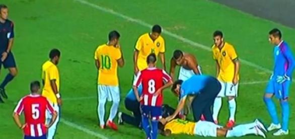Talisca lesionou-se no jogo com o Paraguai