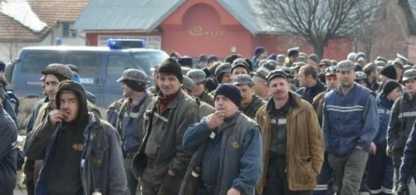 Minerii din tara sunt revoltati