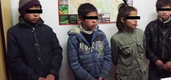 Patru copii cu cetățenie română, arestăți