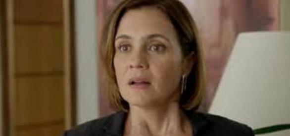 Beatriz tenta incriminar Inês