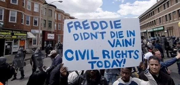 Manifestantes nos últimos protestos nos EUA