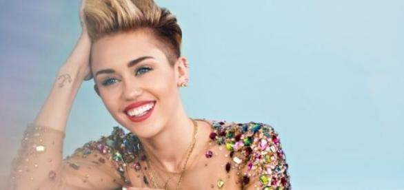 Miley Cyrus em sessão fotográfica